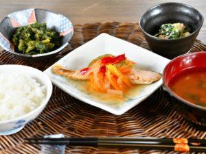 ・鮭の南蛮カラフルピーマン添え ・ほうれん草の白和え ・菜の花の煮浸し