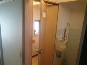 トイレ引き戸などの扉の取り替え